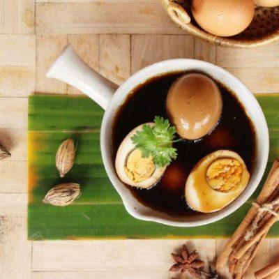 Resep Semur Telur Isi Ikan serta Daging Ayam dalam Telur